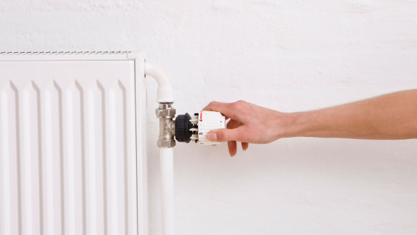 Gør dit hus i stand til at holde på varmen og spar penge